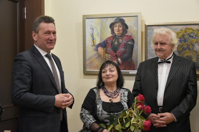 У Луцькій міській раді відкрили виставку робіт Тетяни Галькун