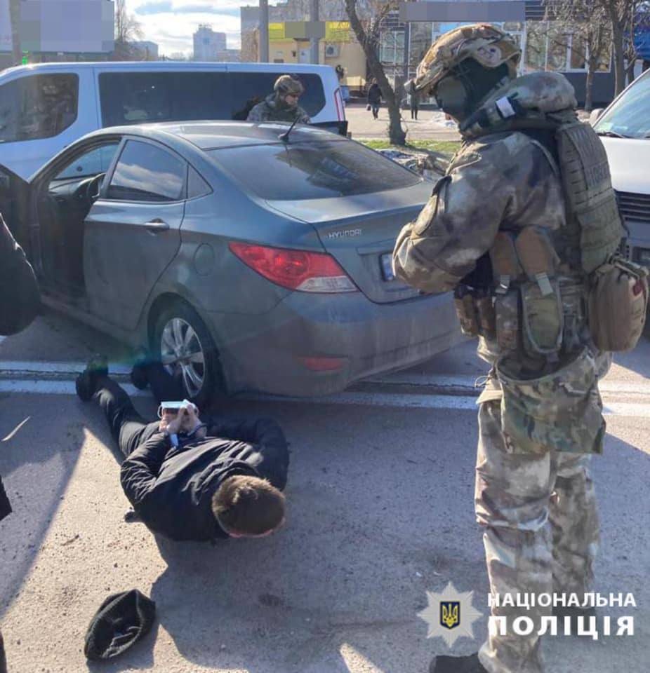 Оперативники затримали банду, яка обікрала у Луцьку магазин на мільйон. ВІДЕО