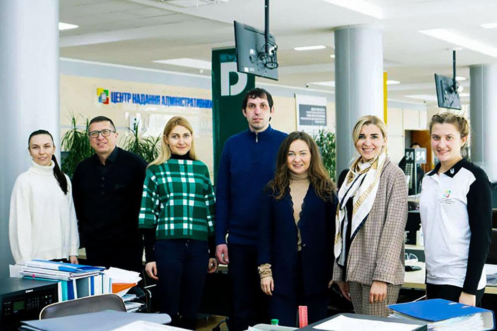 Представники Нововолинської міськради переймали досвід у Рівному