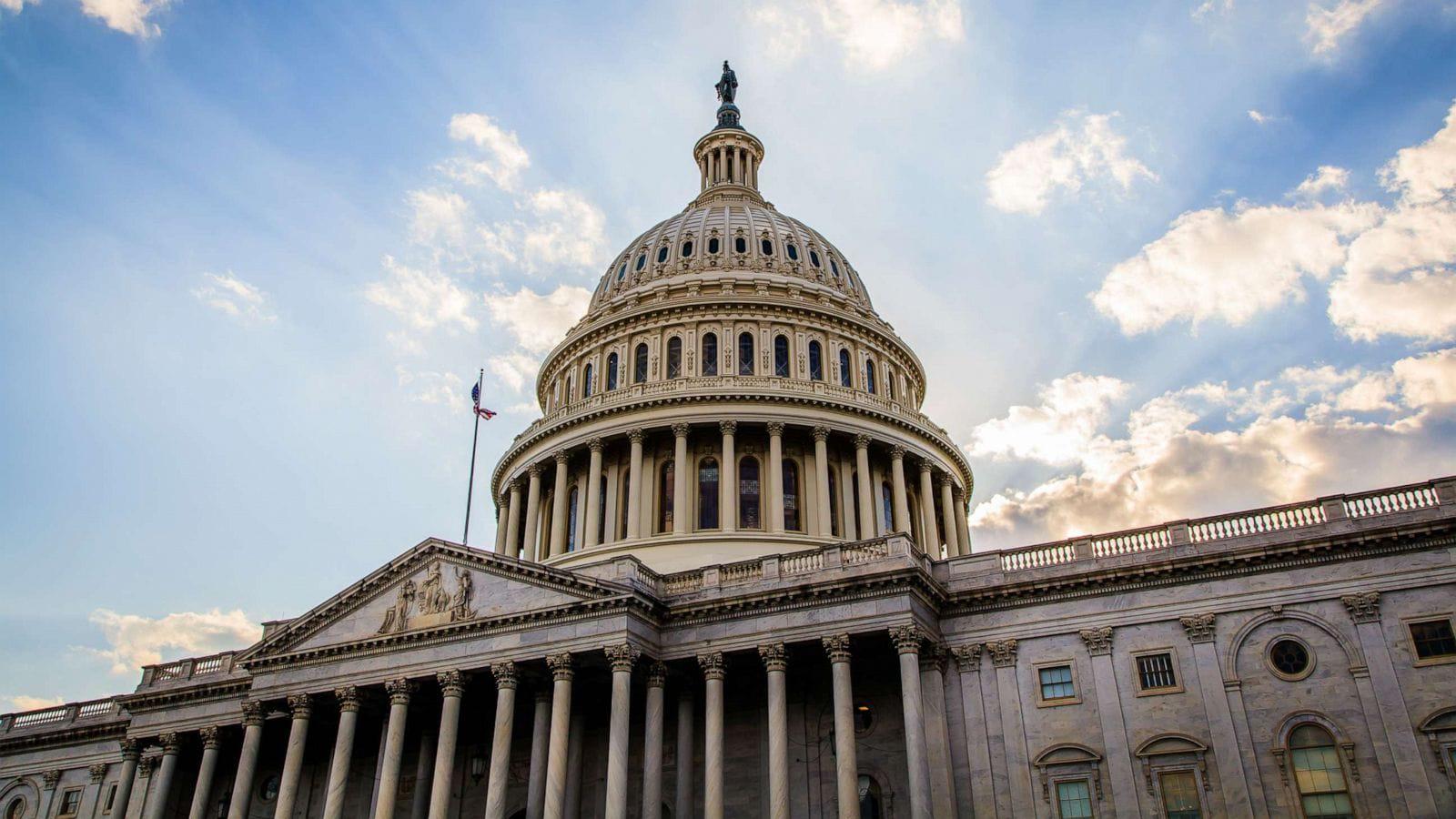 Сенат США почав заслуховувати аргументи захисту Трампа у справі імпічменту