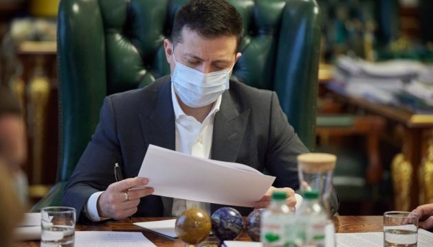 Зеленський на п'ять років ввів санкції проти соратника Медведчука та його телеканалів