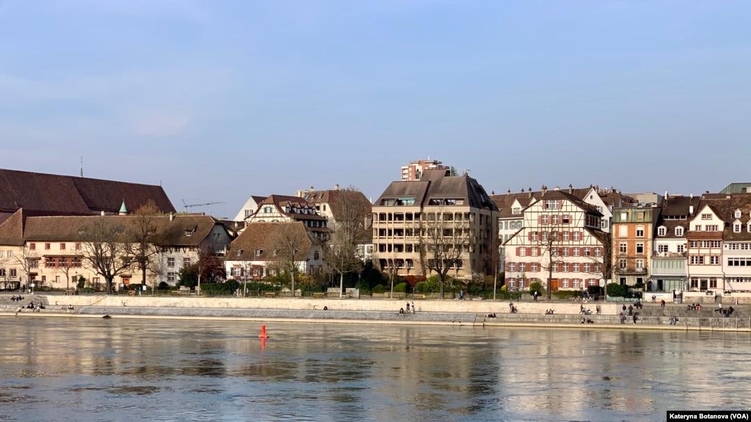 Швейцарія планує послаблення карантину з 1 березня