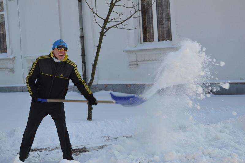 Ковельчани прибирали місто від снігу разом з міським головою