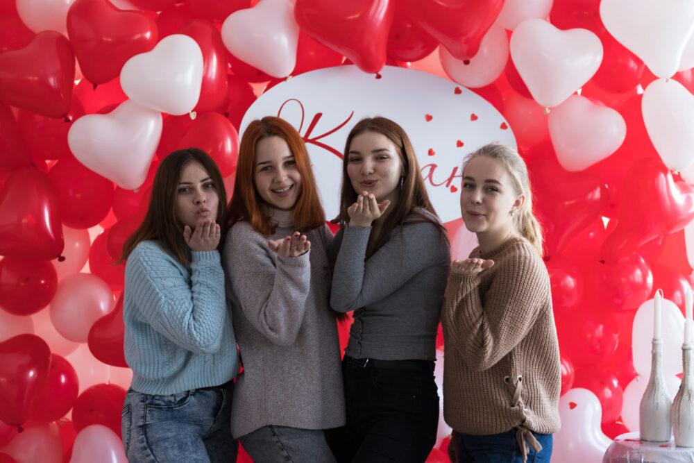 У громаді поблизу Луцьк організували тематичну вечірку до Дня закоханих