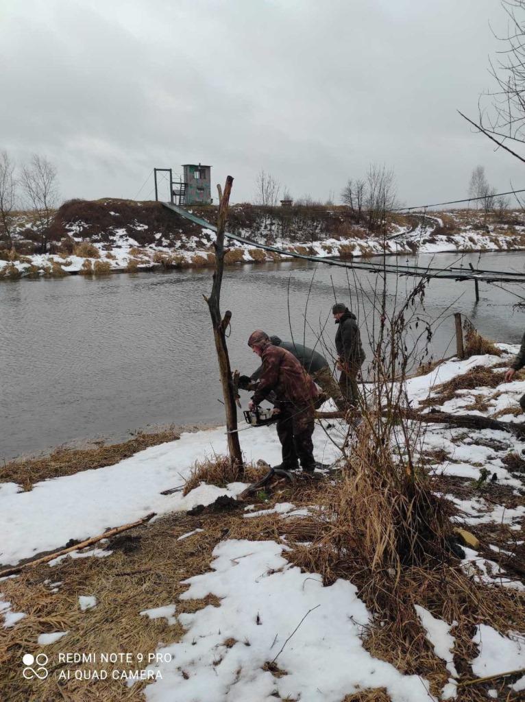 Волинські та львівські рибпатрульні знищували знаряддя незаконного рибальства на Західному Бузі