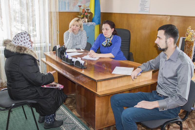 Тарифи, ділянки та перейменування школи: з чим до влади зверталися жителі Нововолинської громади