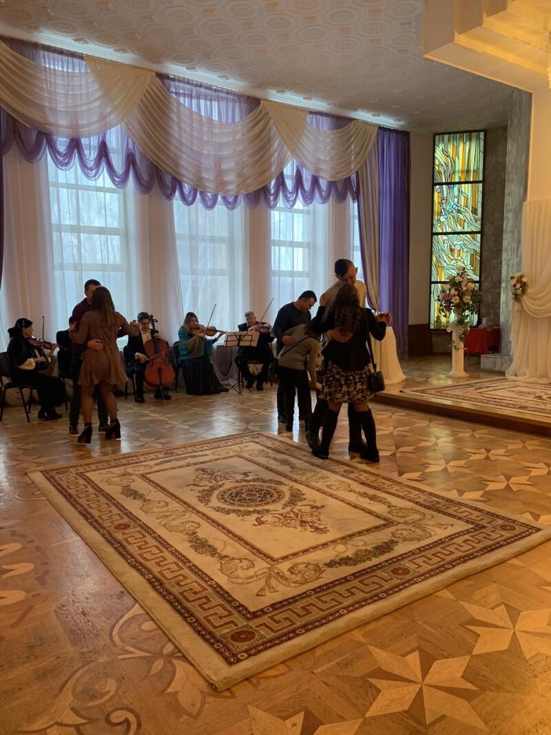 У Луцьку організували День закоханих для сімейних пар