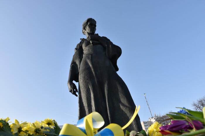 У Луцьку вшановують Лесю Українку з нагоди 150-річного ювілею