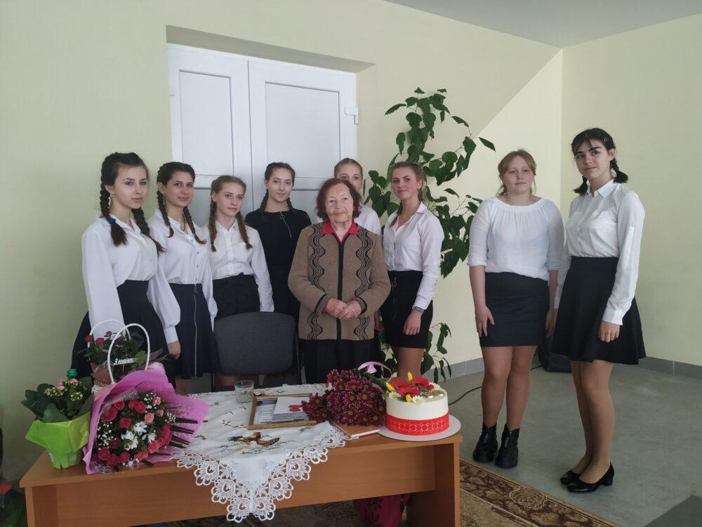 У селі поблизу Луцька організували творчий вечір з нагоди 90-річчя місцевої поетеси
