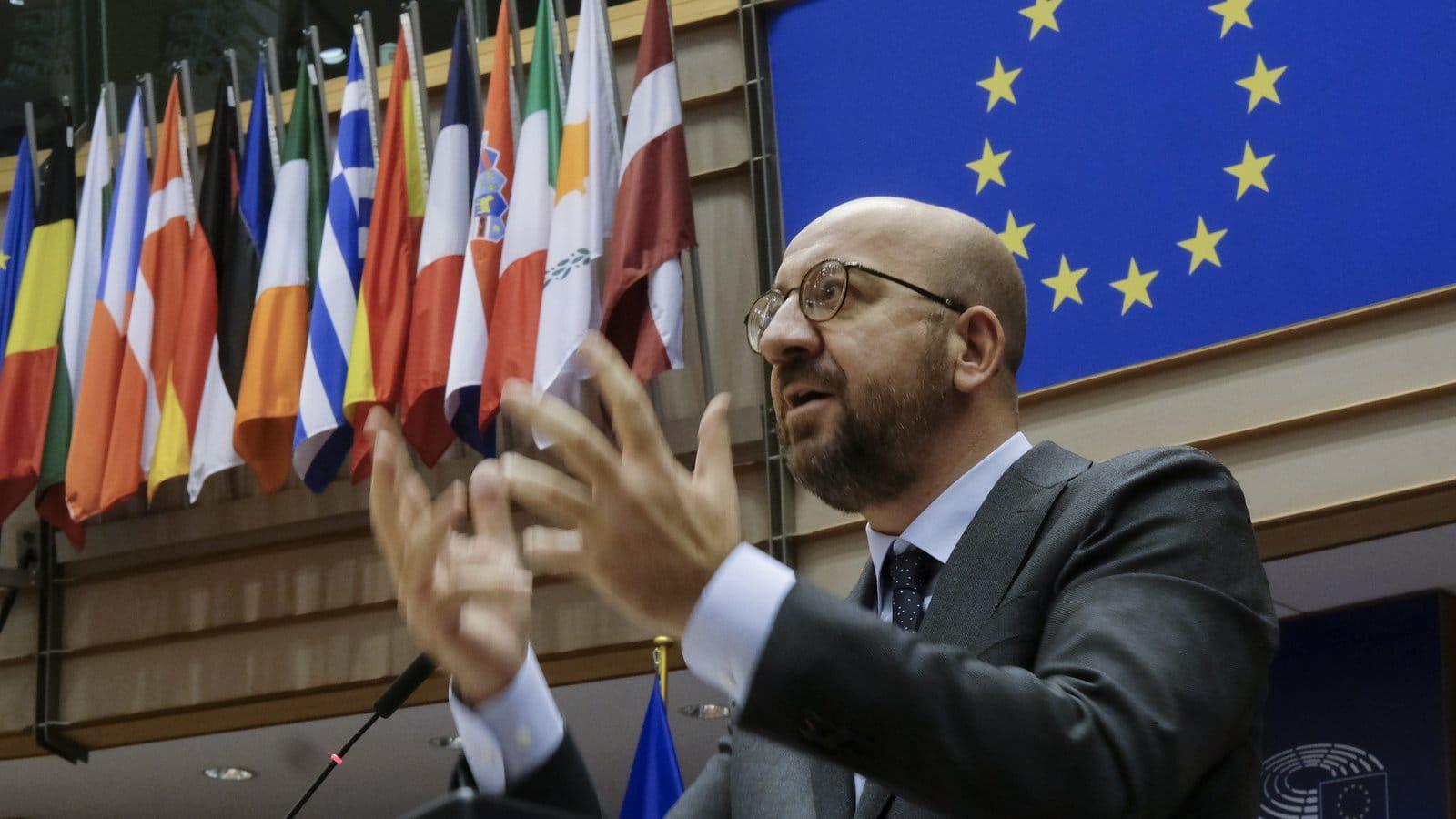 Топ-керівник ЄС звинуватив Росію і Китай у використанні вакцин для пропаганди