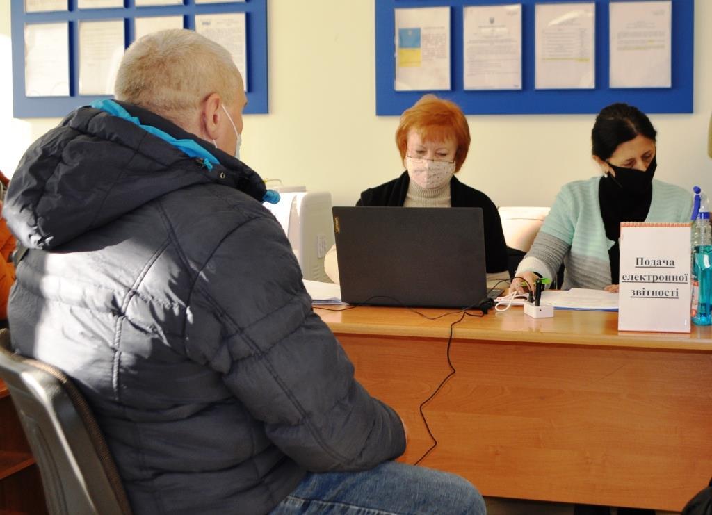 Ветерани податкової служби переконали понад 250 луцьких підприємців долучитися до роботи в Електронному кабінеті