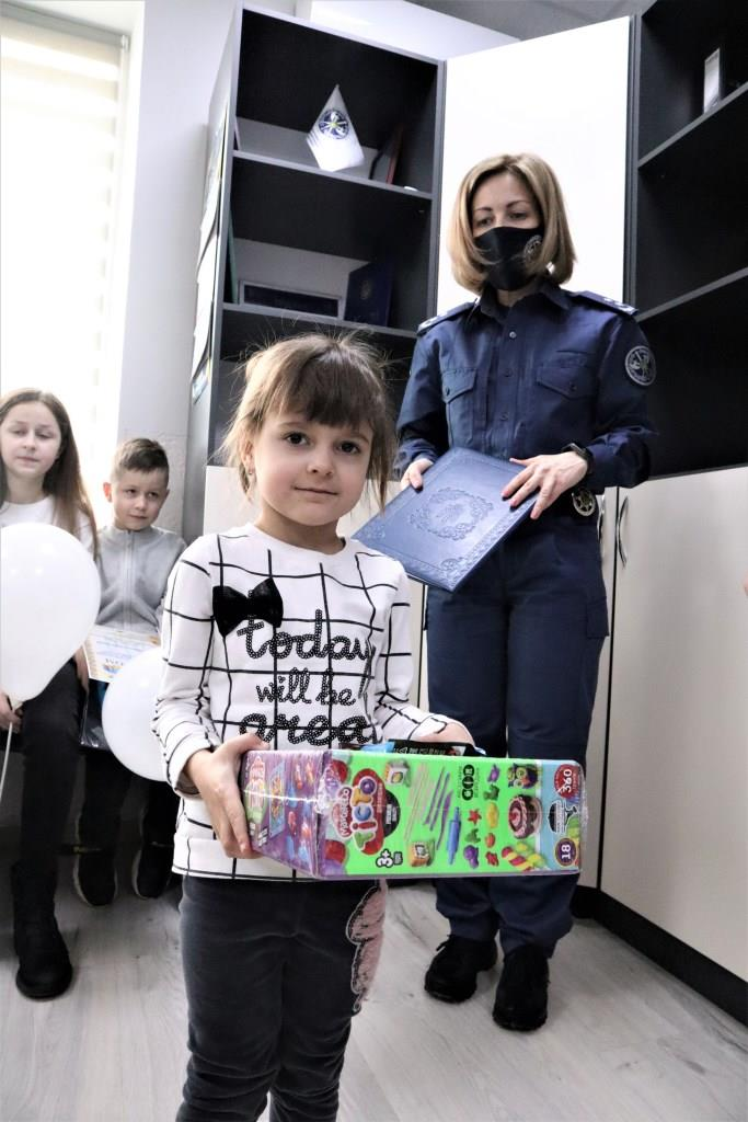 У Службі судової охорони Волині нагородили переможців дитячого конкурсу малюнку