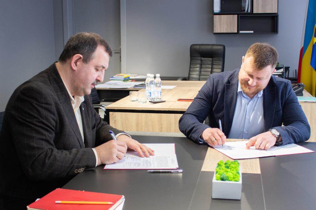 Мер Нововолинська підписав Угоду про співпрацю з Асоціацією «Енергоефективні міста України»