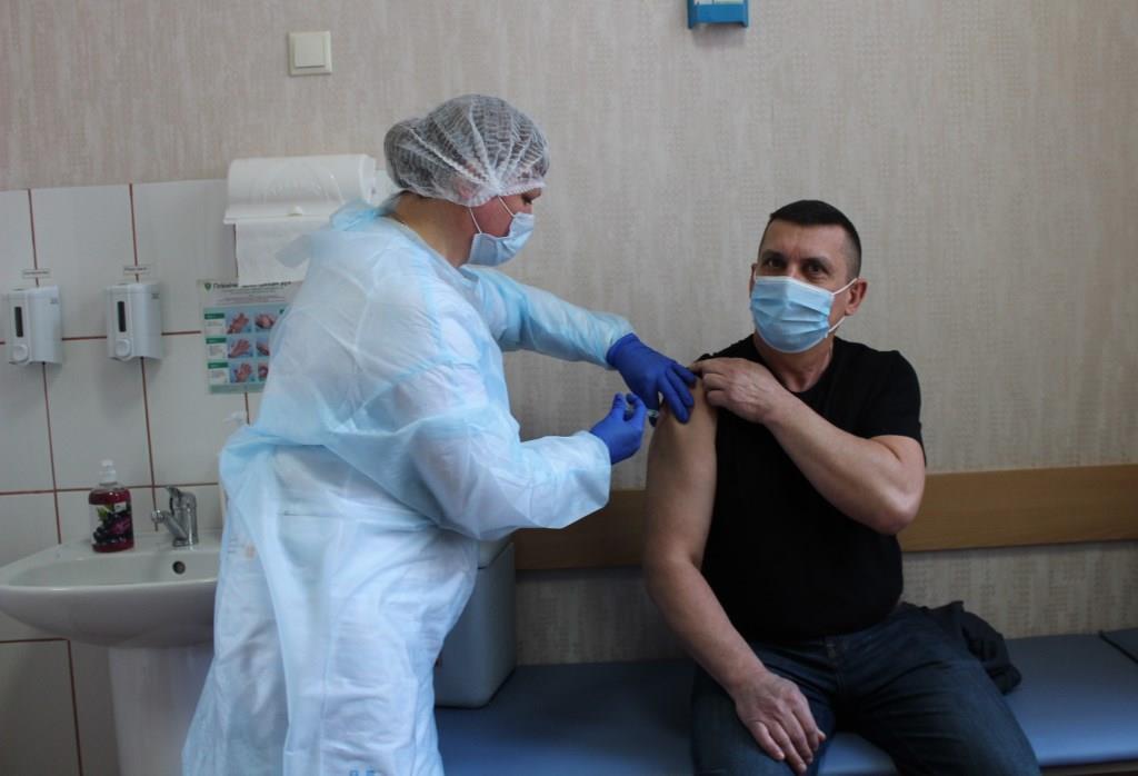 У Ковелі в перший день вакцинації щеплення від COVID-19 зробили 40 медиків