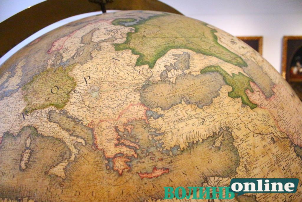 Luceoria, Loutsk, Луцкъ: місто на історичних мапах крізь століття