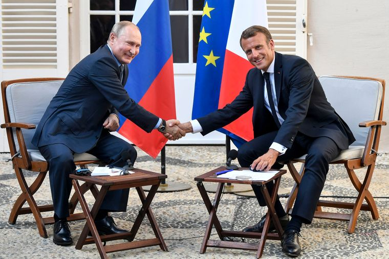 Франція і Росія у грудні таємно вислали дипломатів одна одної