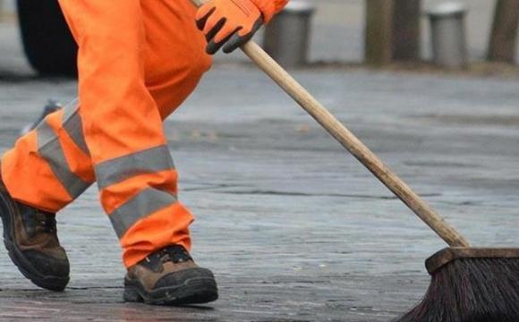У Маневичах витратять майже мільйон на прибирання вулиць