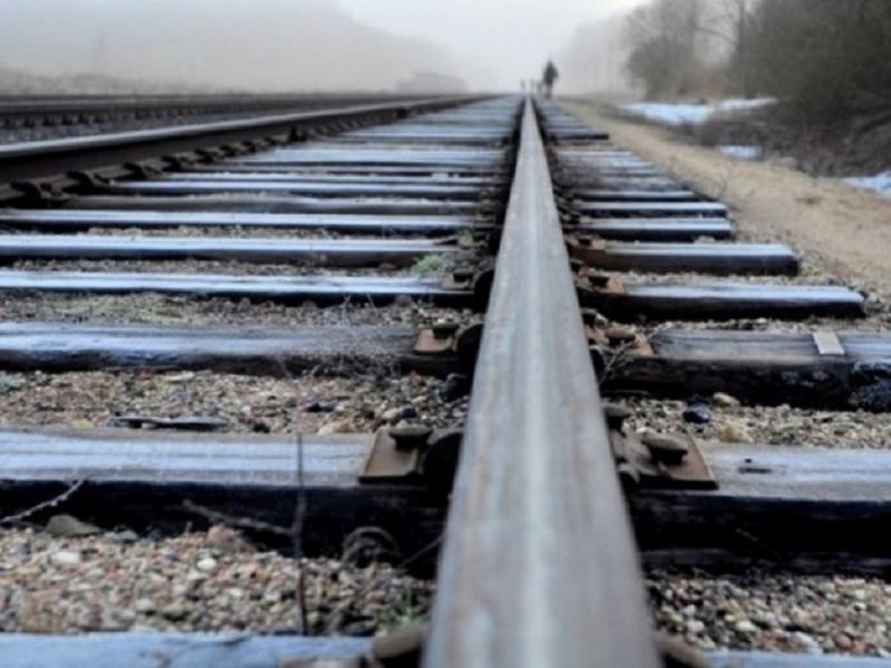 Лучанин кинувся під потяг