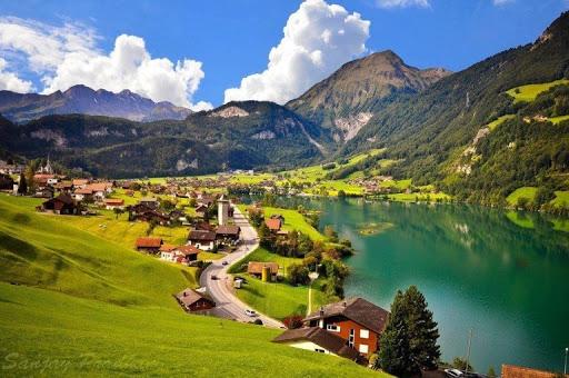 Швейцарія назвала терміни скасування всіх обмежень