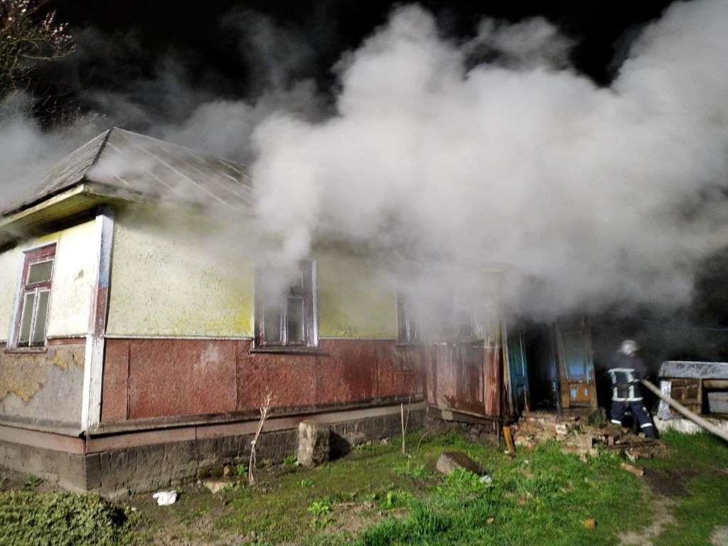 На Горохівщині горіли житловий будинок та господарська споруда