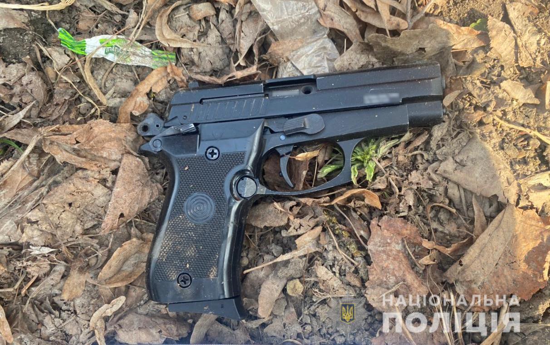 Поліцейські встановили чоловіка, який посеред дня на вулиці у Луцьку стріляв з пістолета