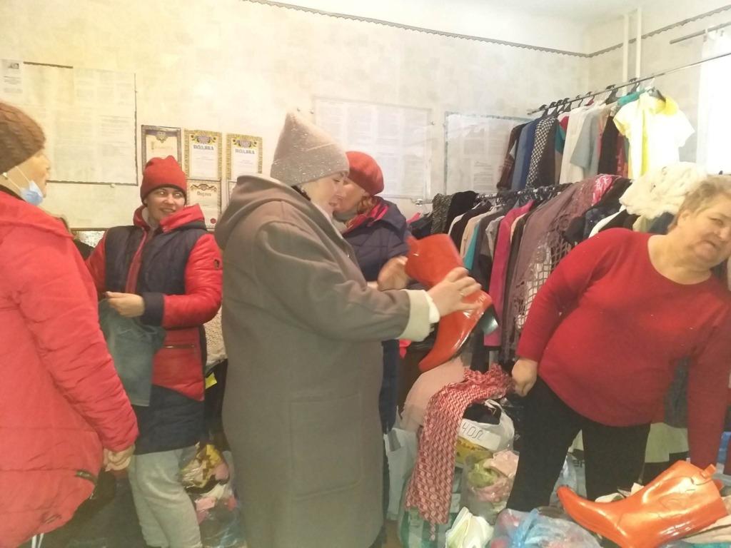 У Нововолинській громаді запрацював «банк одягу»