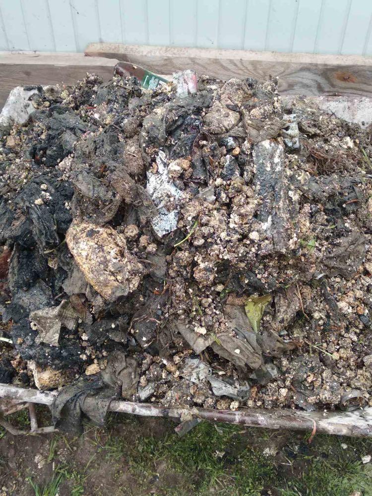 Жителям Володимира-Волинського нагадують: каналізація – не смітник