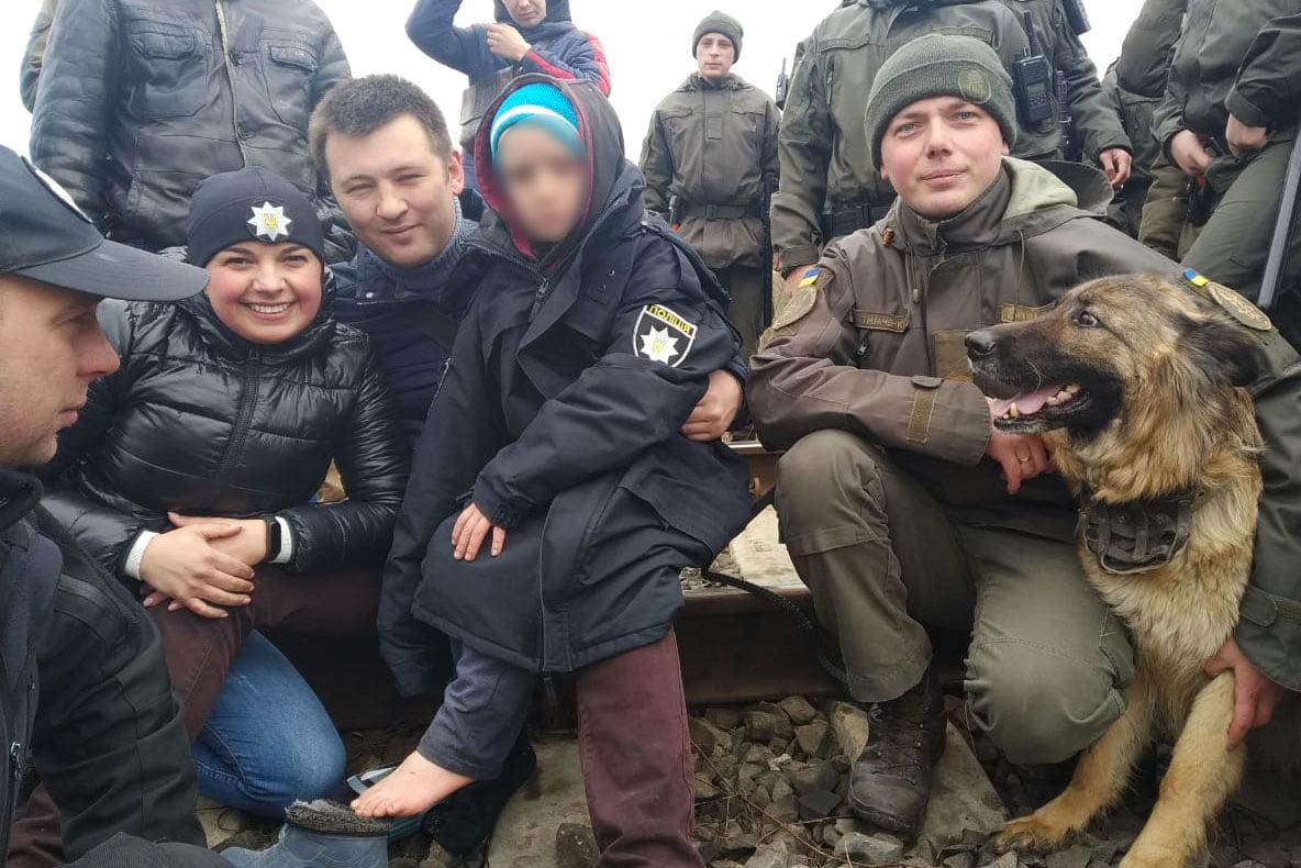 Собака Ніка допомогла знайти зниклого хлопчика на Волині