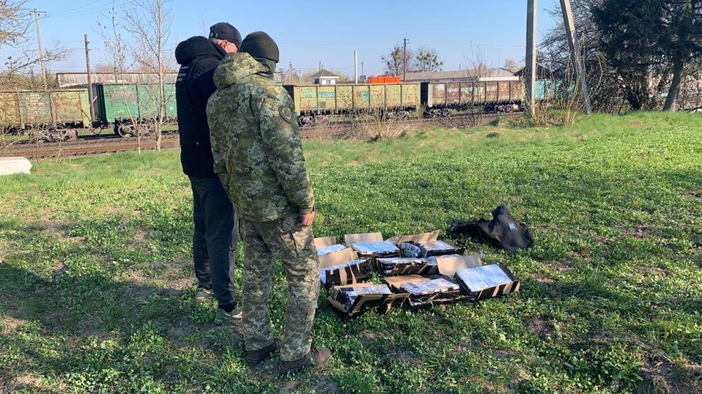 На Волині прикордонники Луцького загону перешкодили спробі контрабанди сигарет до Польщі