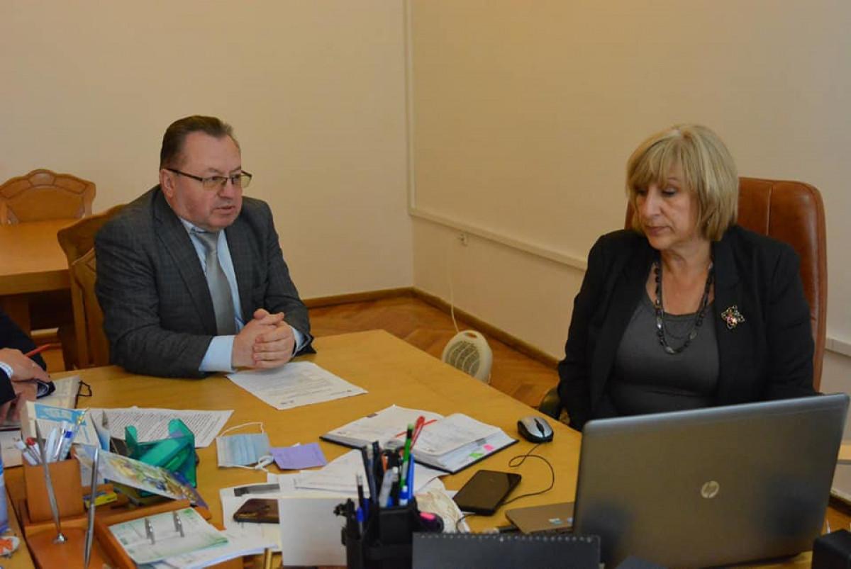 Представники Волинської ОДА та облради обговорили проблеми реформи системи охорони здоров'я в умовах децентралізації
