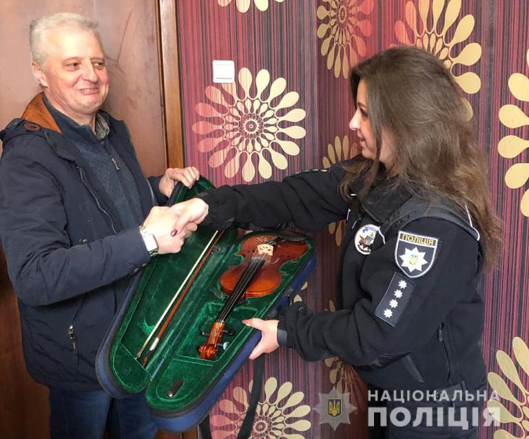 На Ківерцівщині поліція повернула музичній школі викрадені інструменти на суму понад 20 тисяч