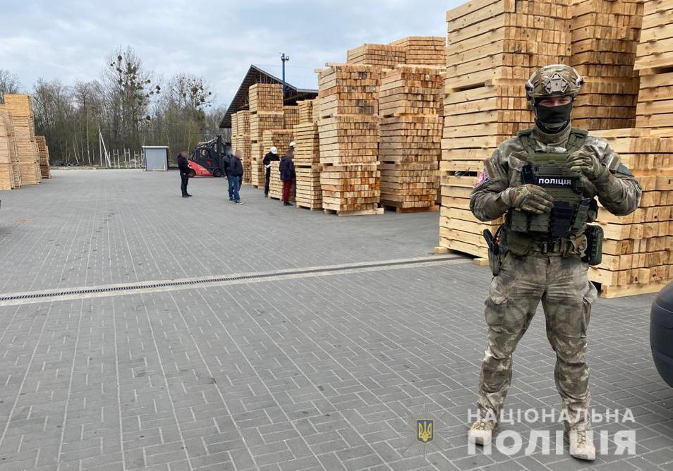 На Волині правоохоронці виявили понад 100 метрів кубічних необлікованої деревини та пиломатеріалів