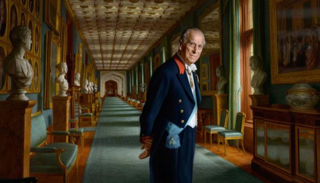 Смерть принца Філіпа: британців просять обійтися без квітів біля резиденцій