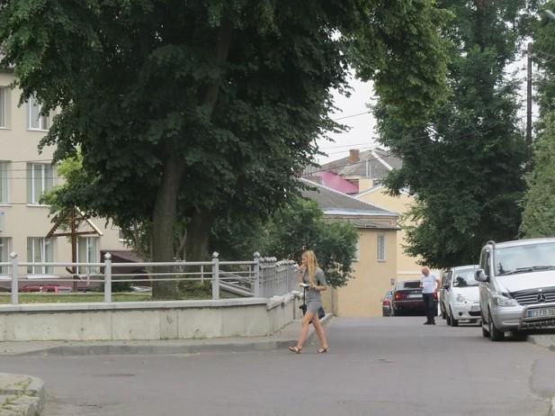 Замість продажу з аукціону: ділянку поблизу ЦНАПу у Луцьку хочуть взяти у комунальну власність