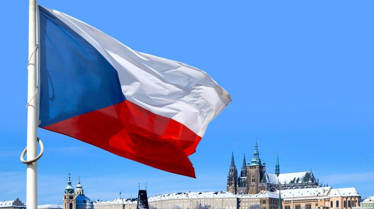 Чехія висилає 18 російських дипломатів та звинувачує РФ у організації вибуху військового складу
