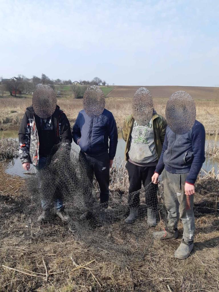 У Володимир-Волинському районі викрили низку порушень правил рибальства