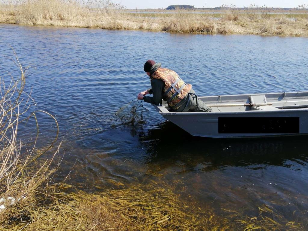 На Волинських водоймах вилучили майже два кілометри сітних знарядь лову