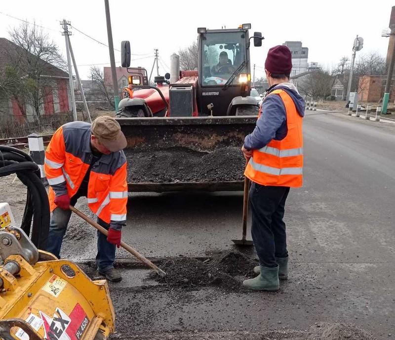 У Ковелі розпочали поточний ремонт доріг