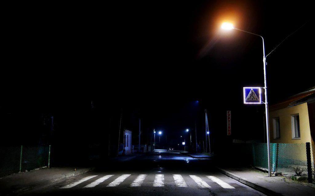 У Володимирі-Волинському встановили додаткову підсвітку пішохідного переходу