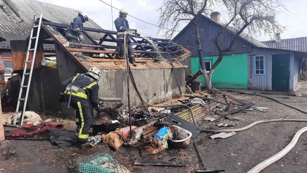 На Волині врятували від знищення вогнем житловий будинок
