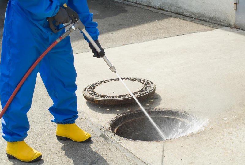 Де замовити очищення каналізаційного колодязя*