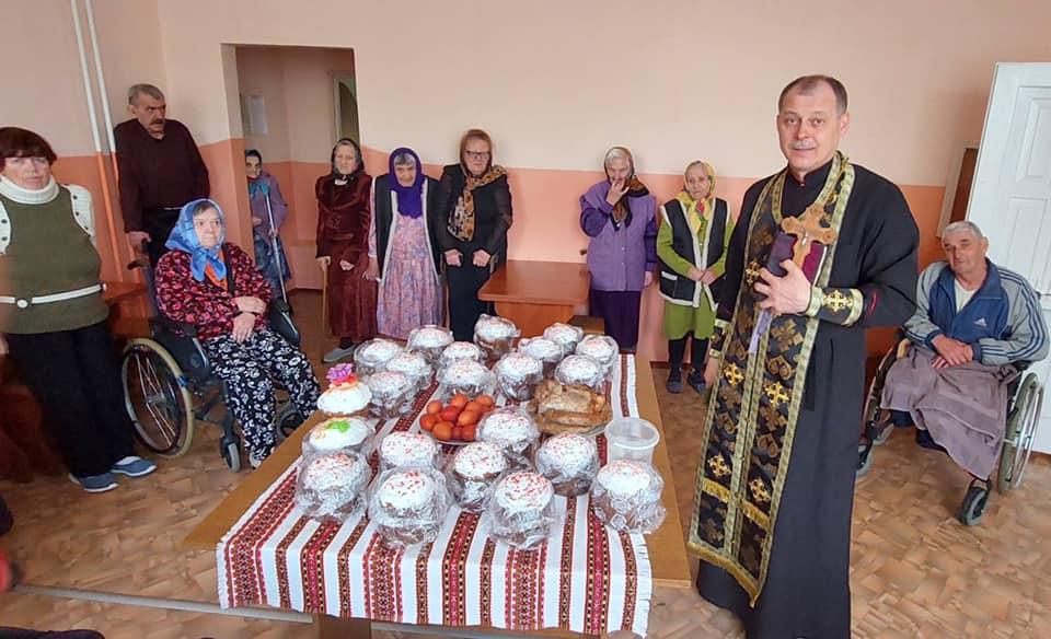 У Ковелі передали освячені паски вдовам ліквідаторів аварії на ЧАЕС