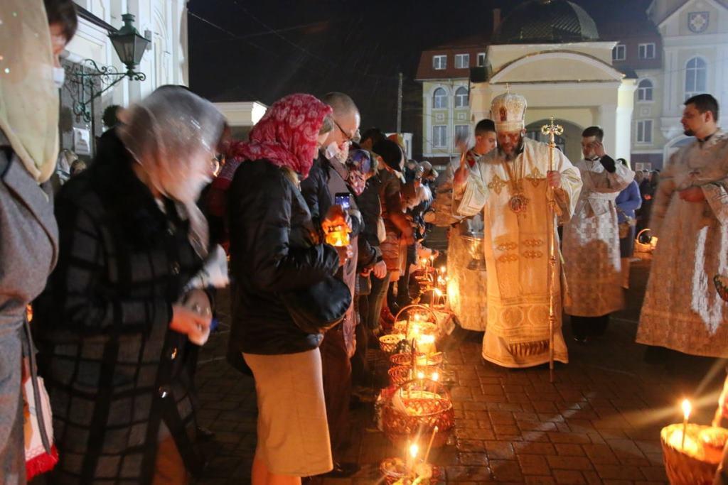Як у Свято-Троїцькому кафедральному соборі у Луцьку відзначили Великдень