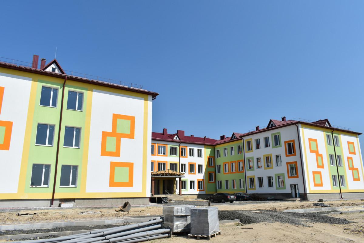 На Волині завершують будівництво школи