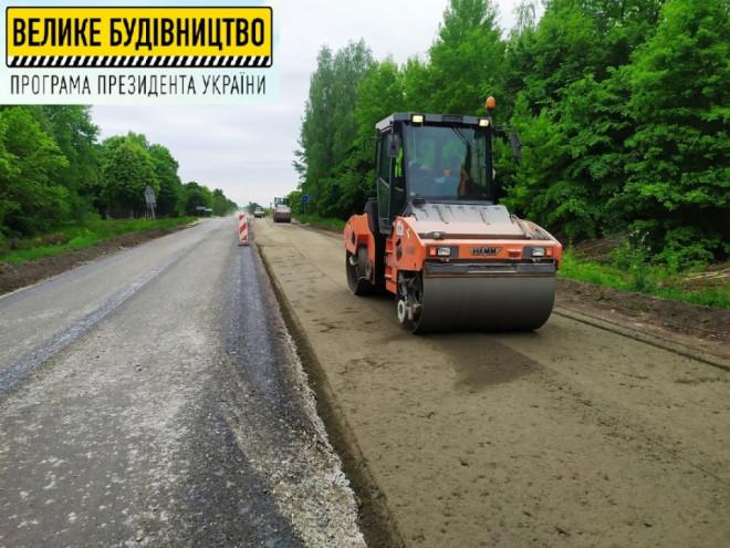 На Волині ремонтують ділянку міжнародного автошляху поблизу Ковеля