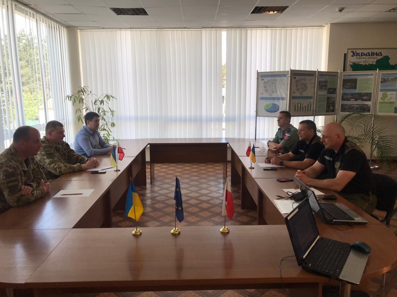 Для пришвидшення контрольних операції прикордонники та митники України зустрілись з колегами з Польщі