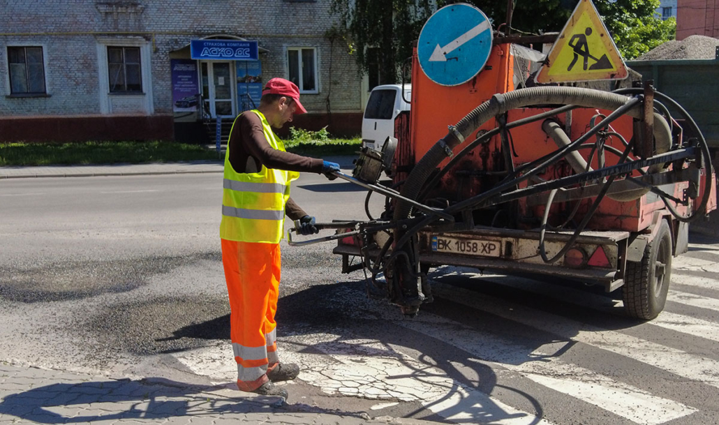 У Нововолинську розпочали поточний ремонт доріг