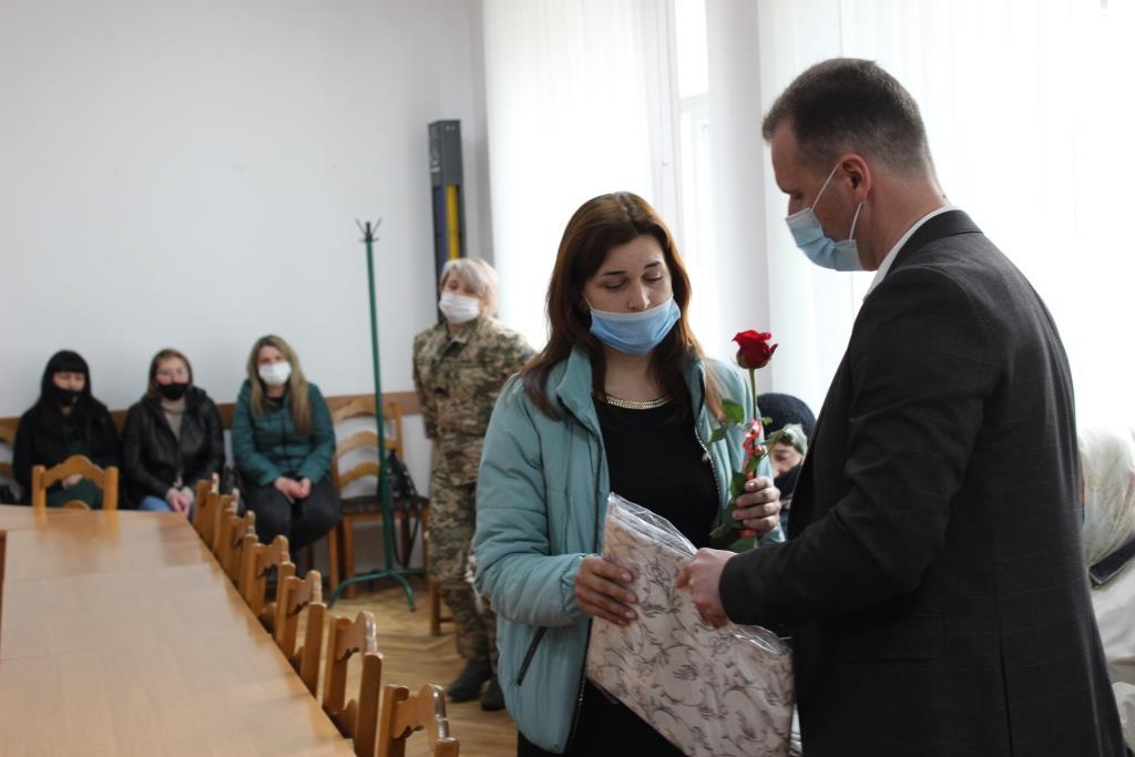 У Володимирі-Волинському привітали вдів та матерів загиблих бійців, багатодітних матерів та членкинь «Союзу українок»