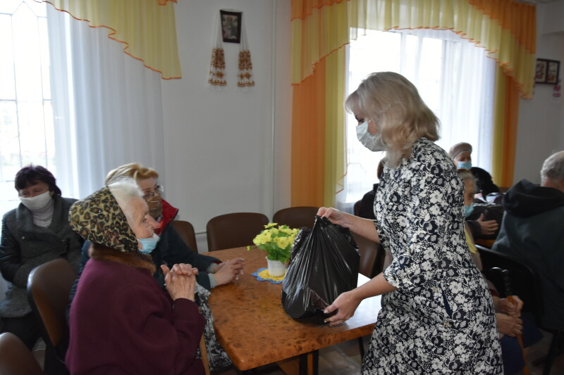 У Територіальному центрі соціального обслуговування у Луцьку вшанували ветеранів
