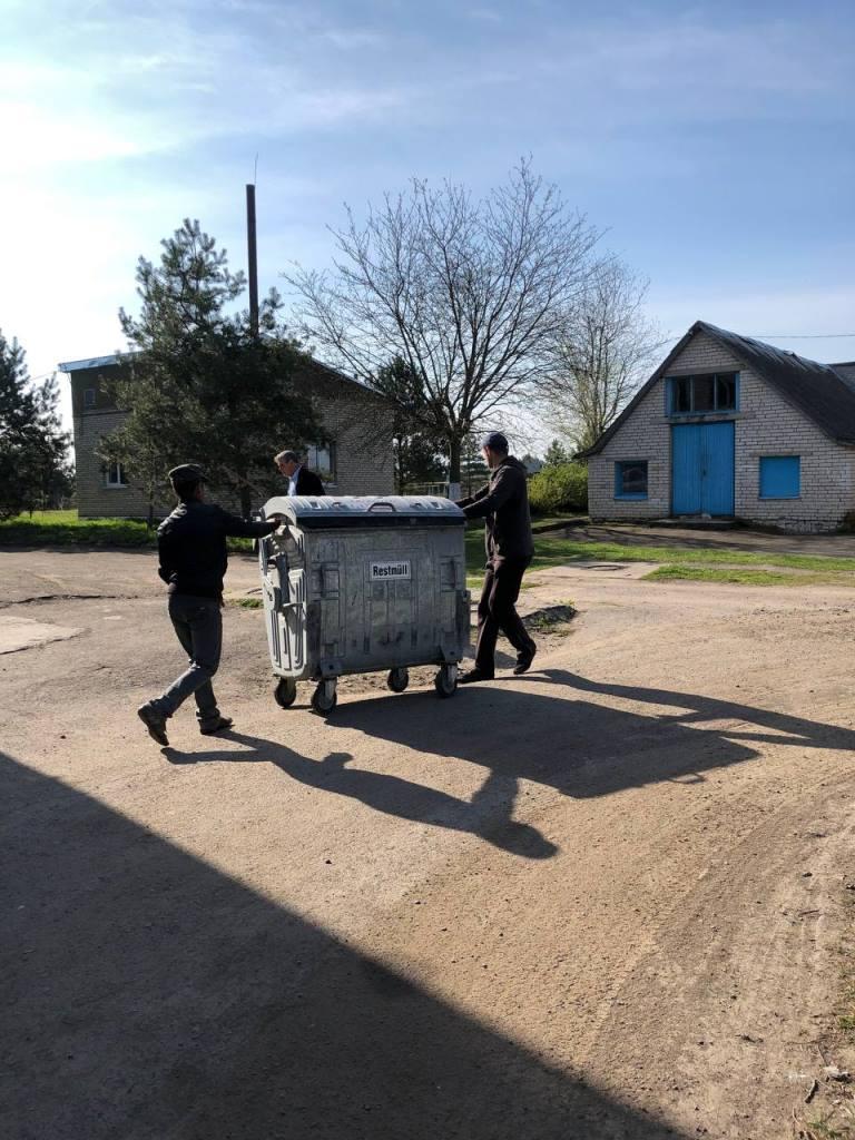 У закладах освіти Боратинської громади встановили сміттєві контейнери